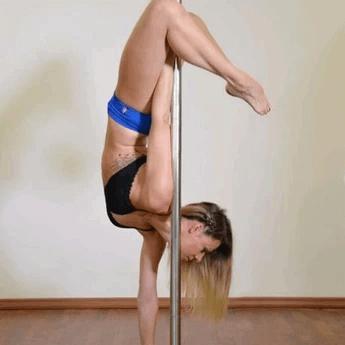 Grundtechniken erlernen im Pole Dance Anfängerkurs