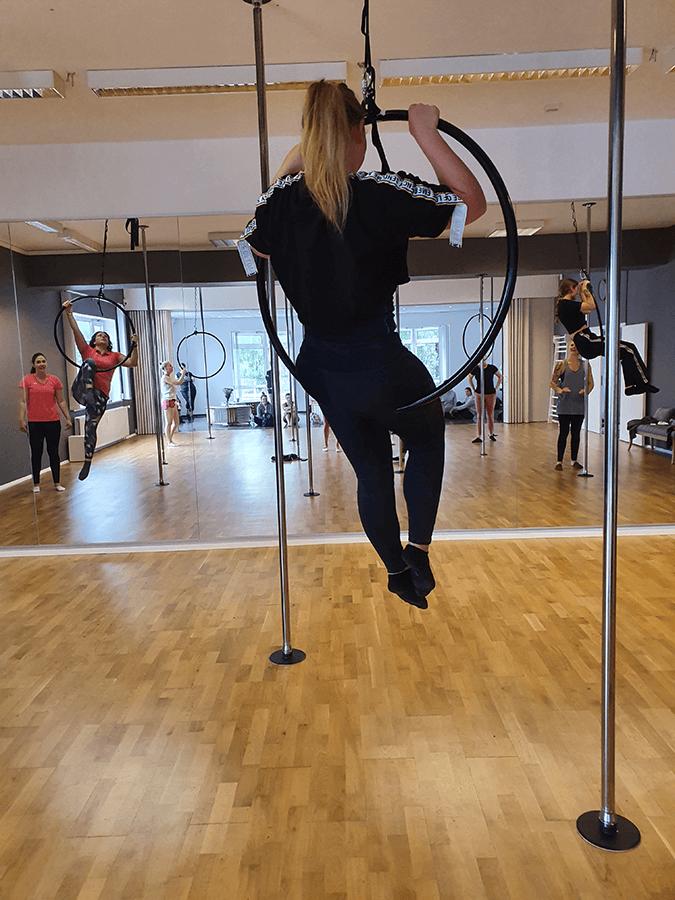 Aerial Hoop als Ganzkörpertraining