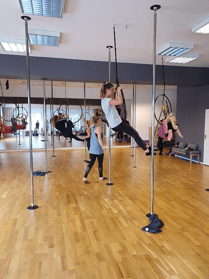 Aerial Hoop Kurs im CSS Aerial Dance Studio